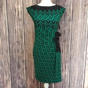 Just Taylor Green And Black Dress
